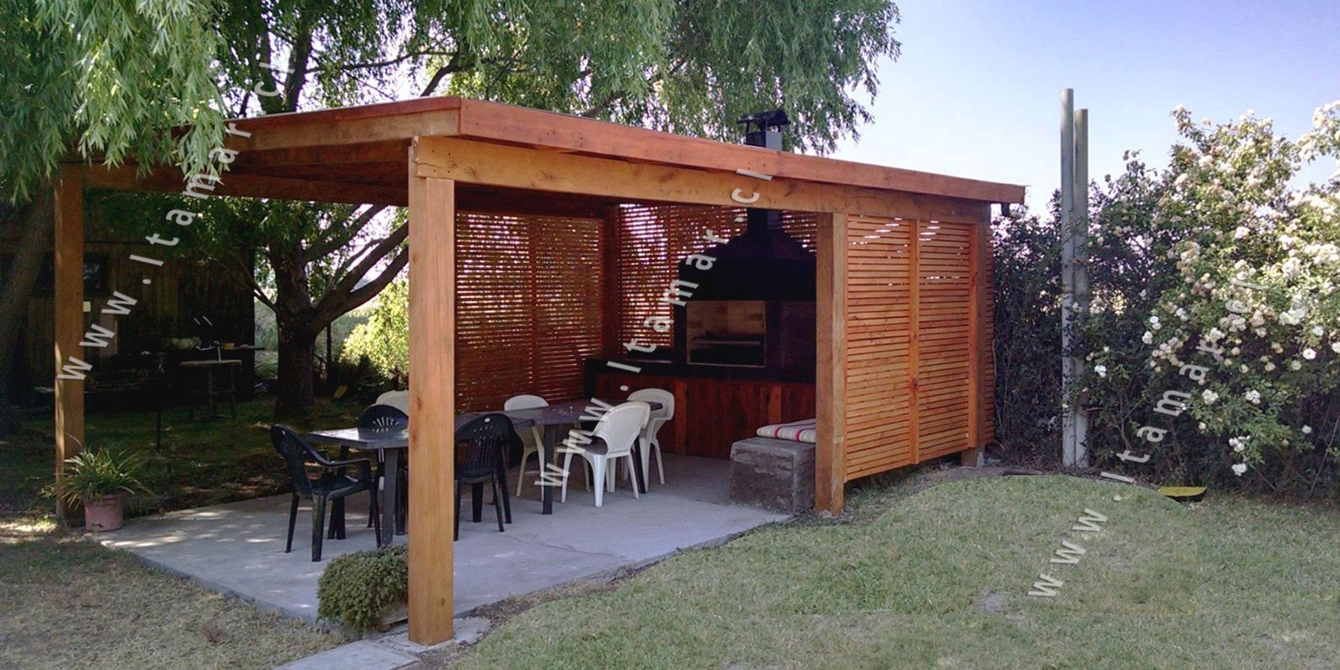 Pergolas de madera quinchos itamar terrazas de madera for Disenos de terrazas de madera